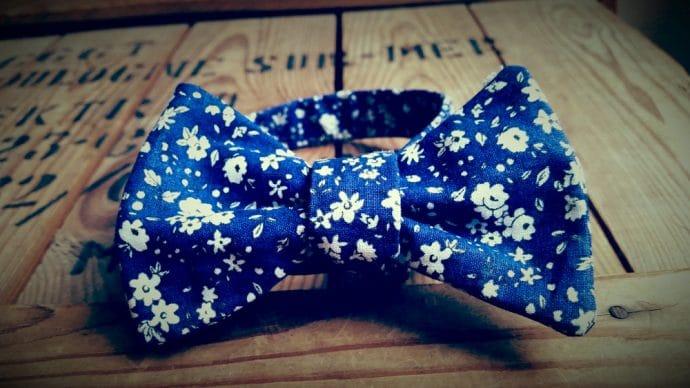 Noeud papillon liberty bleu marine et blanc